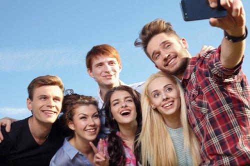 友達と撮影した笑顔の写真