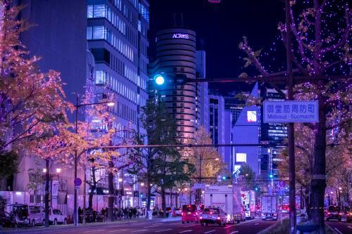 街中のクリスマスイルミネーション